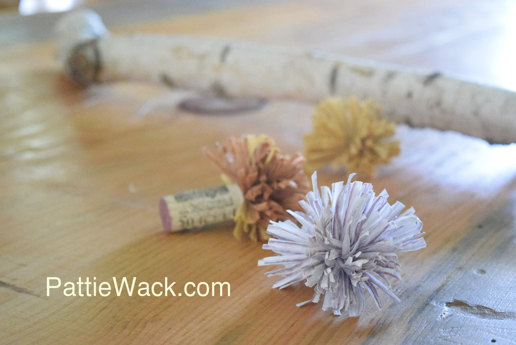 You Can Make Raffia Pom-Poms