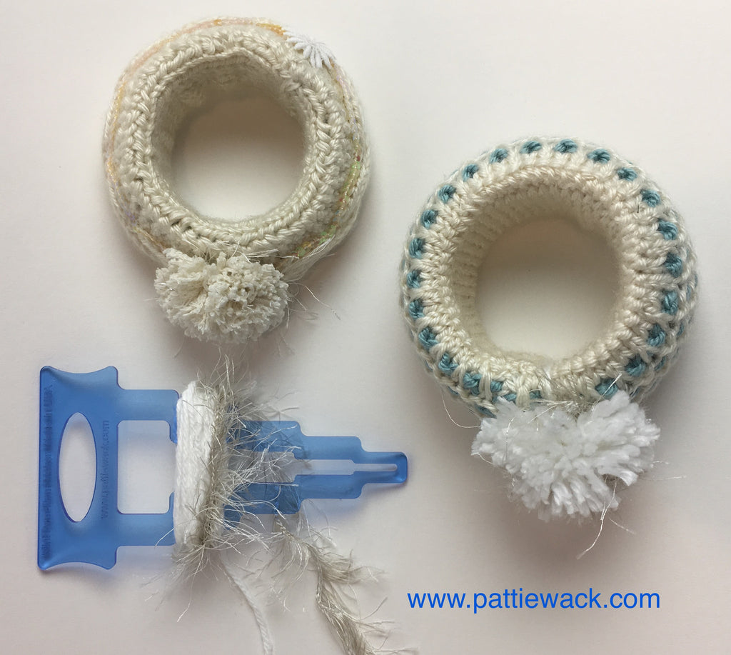 Crochet and Pompom Bracelet DIY