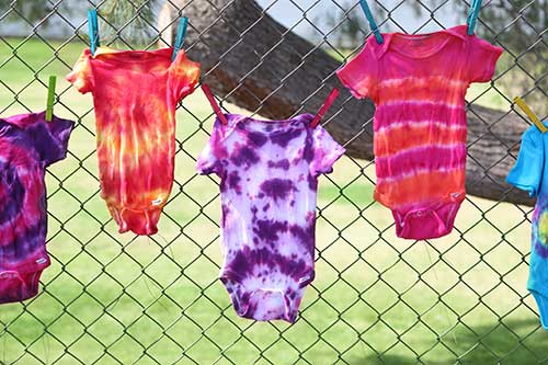 Throw a Tie Dye Onesie Party at your next Baby Shower!