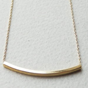 Gold Bar Curved Necklace - Haggled Jewellery