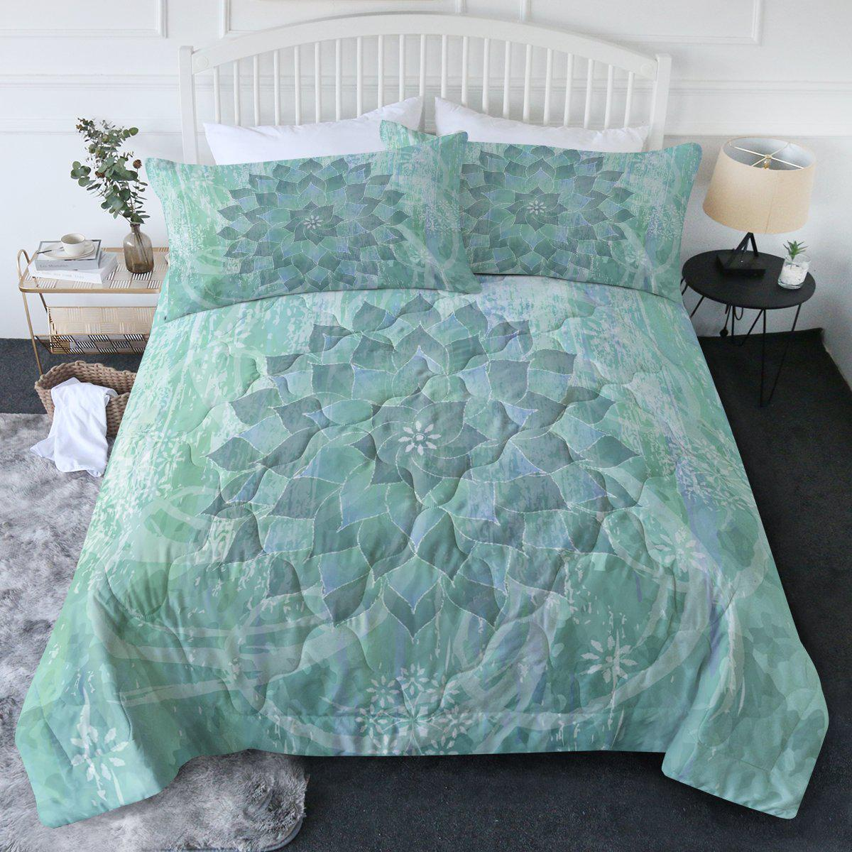 The Ocean Hues Comforter Set