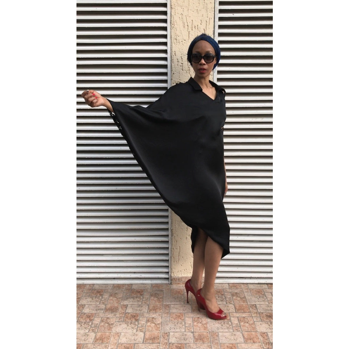 BLACK SARI KAFTAN DRESS, WITH LACE DETAIL