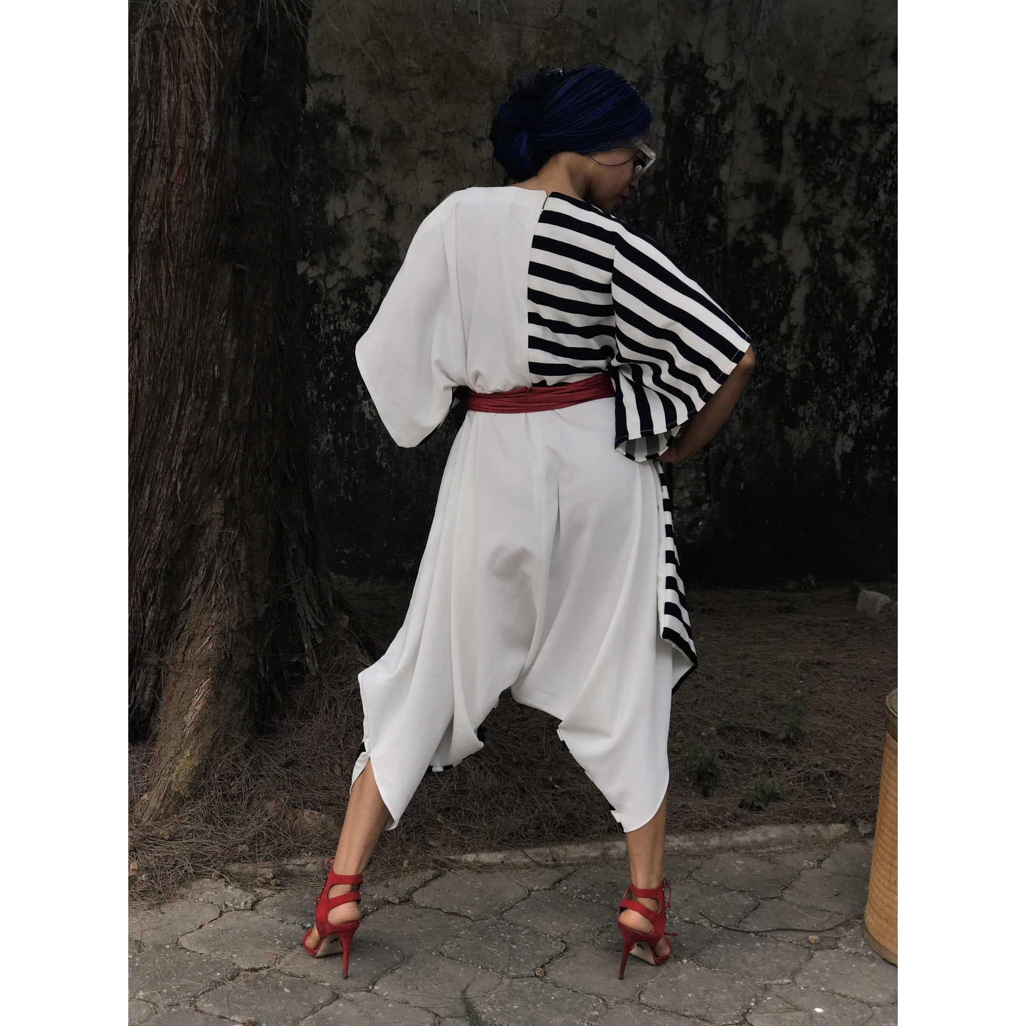 Reversible Favour Essouira in White With Black &White Stripe Détail