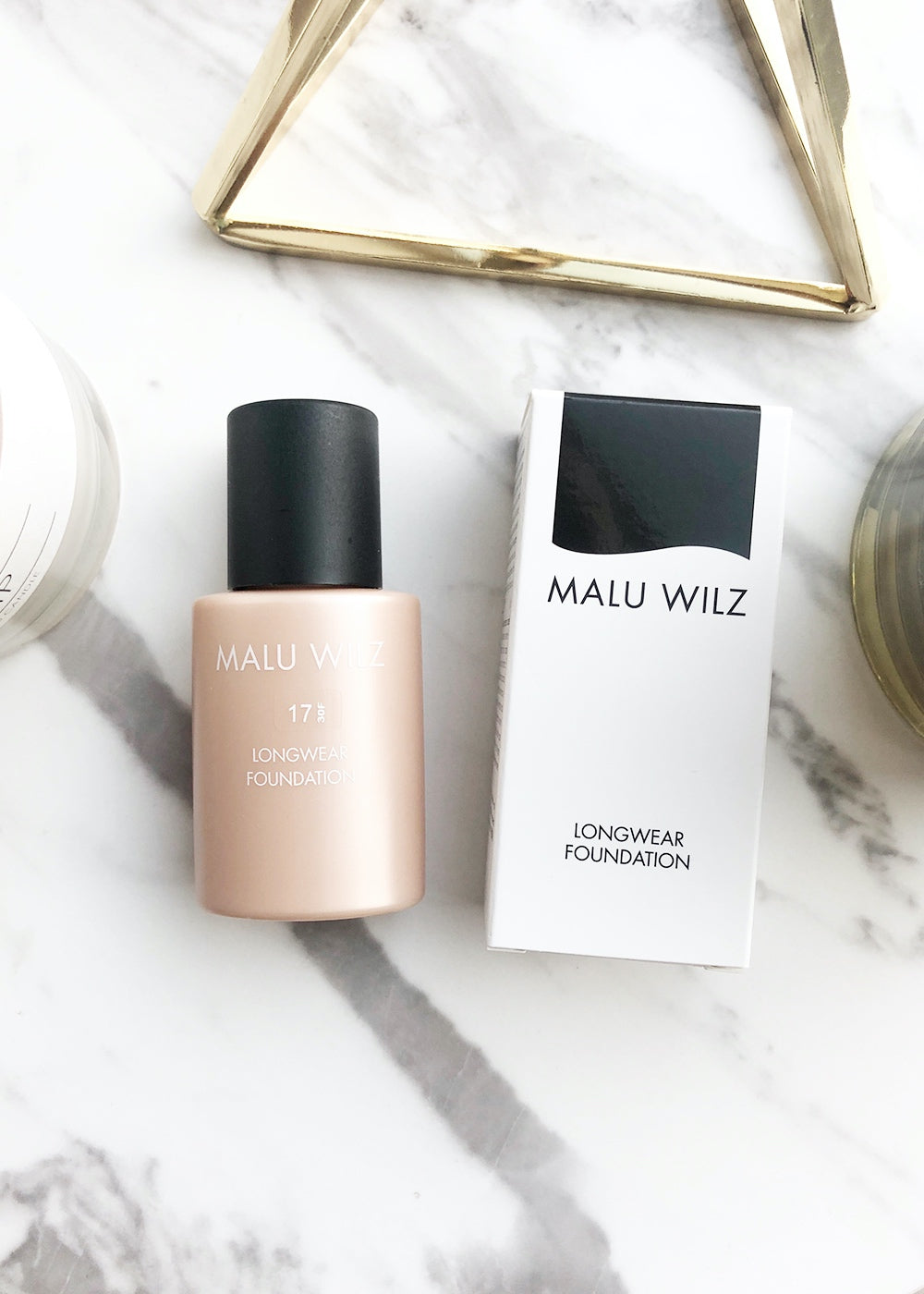 Malu Wilz Longwear Foundation Nr. 17 almond