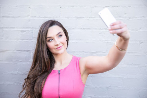 How do you take a selfie on an iphone