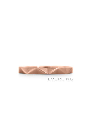 Recycled Rose Gold Stacking ZigZag Band. #weddingrings #designerjewelry www.everlingjewelry.com