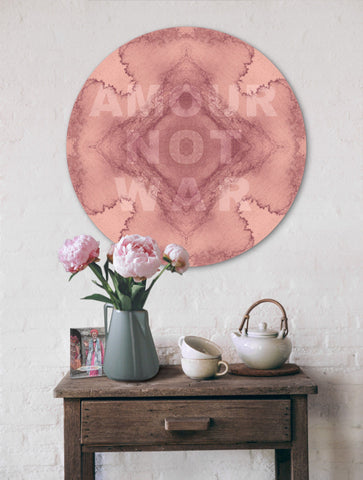 AMOUR NOT WAR : ROUND WALL ART
