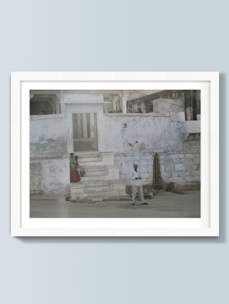 Print - OUTSIDE THE PALACE WALLS : WALL ART