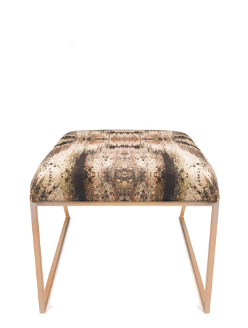 IRIDESCENT LIGHTENING STOOL : INFIINIITY TUMERIC VELVET
