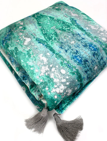 SONYA ROTHWELL NIRVANA VELVET THROW : AQUA