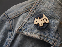 Wool and wood Silhouette Badge / Brooch - Scottie Dog