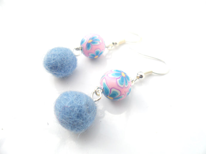 Multi coloured Fimo clay and wool earrings - Baby blue and baby pink