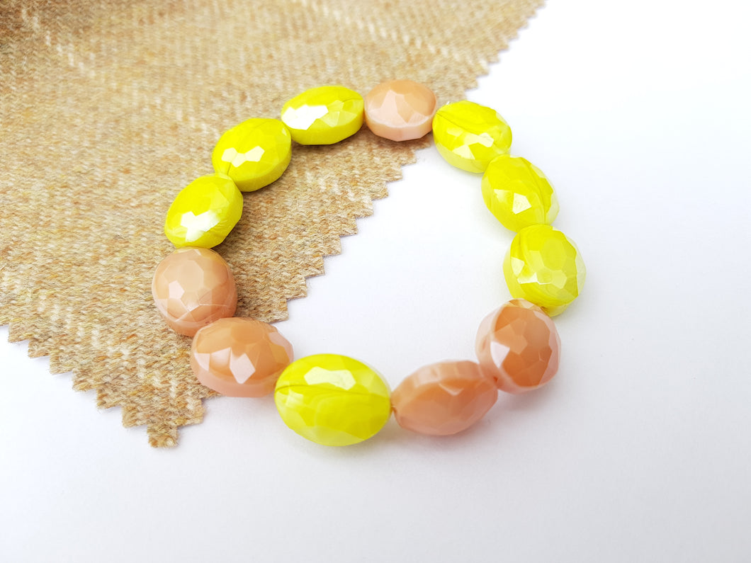 Summer Blush Stretch Bracelet - Yellow Green