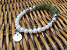 Fresh water Pearl & Mother of pearl Bracelet - Dark Olive