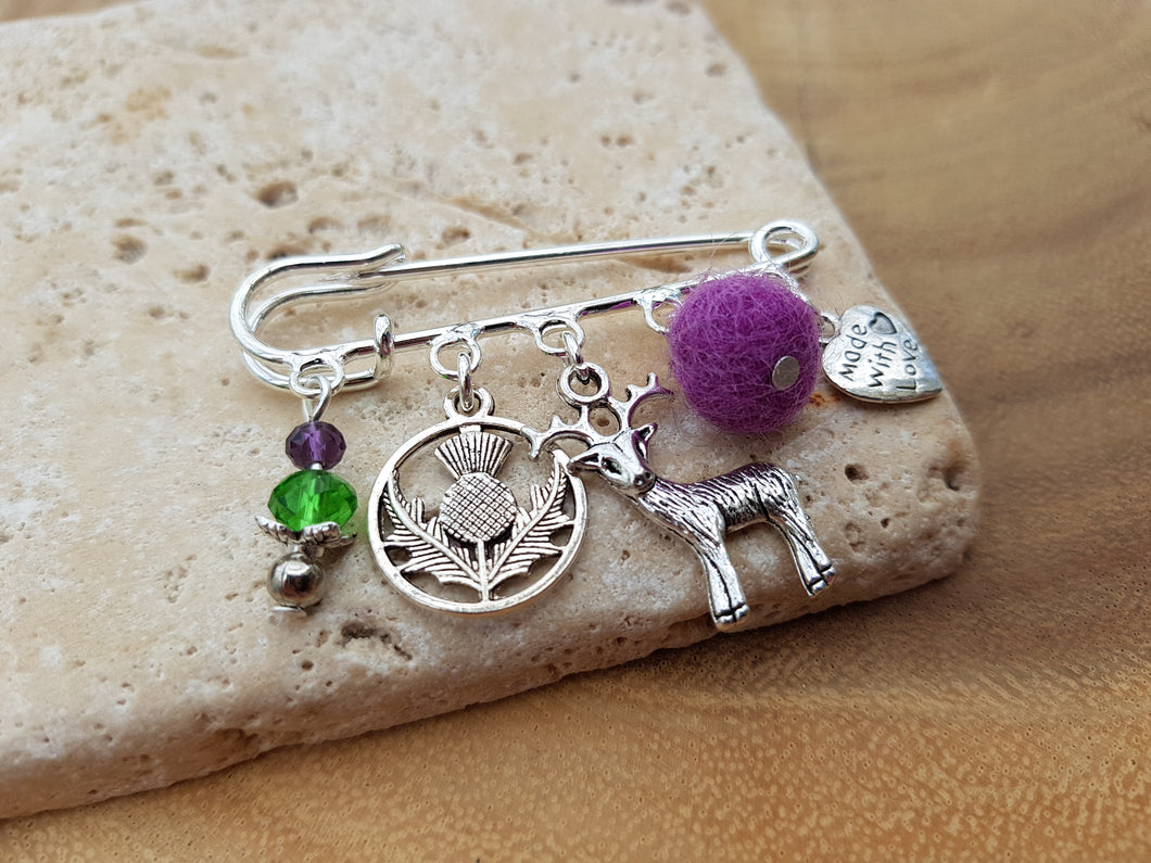 Scottish Stag Kilt pin Brooch - Violet