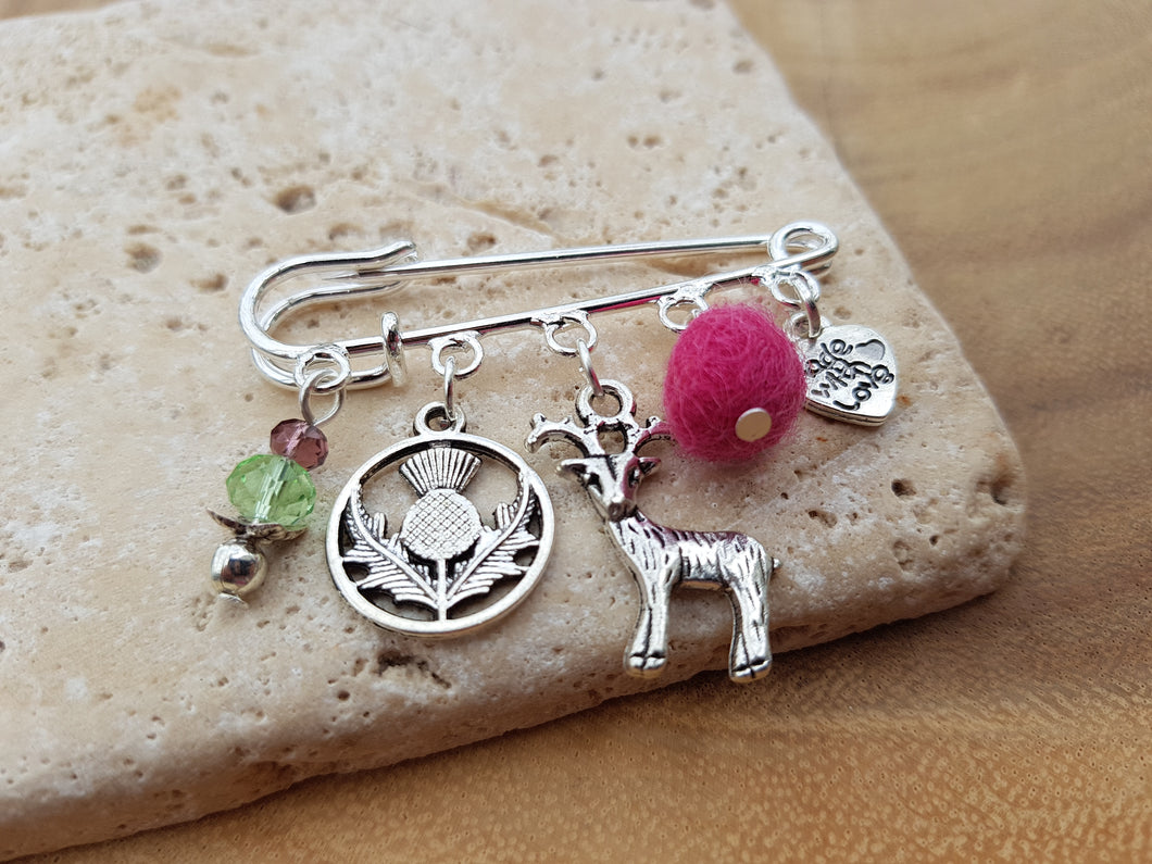Scottish Stag Kilt pin Brooch - Ruby