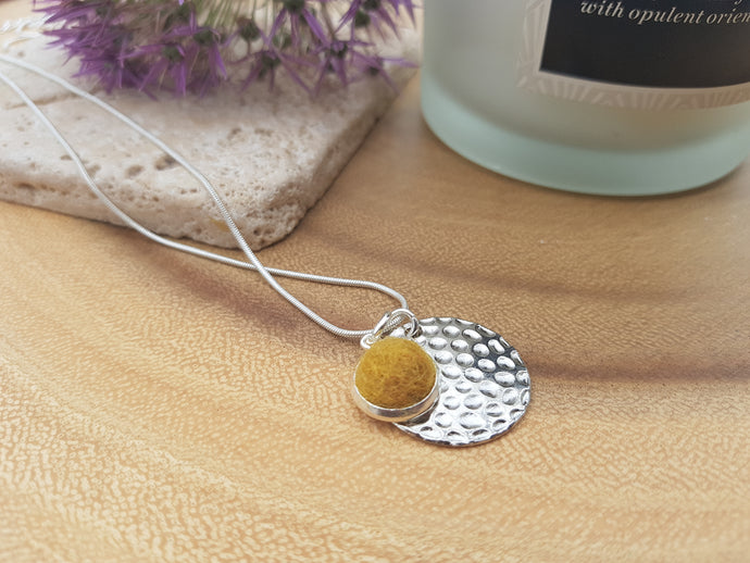 Hammer Dot Necklace - Mustard