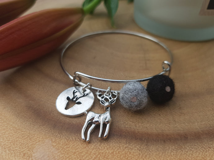 Sleek Reindeer Bangle - Black