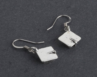 Graduation Mortar cap / hat earrings.