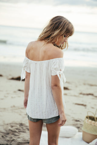 Weekender Off Shoulder
