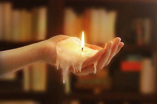 What Mistakes To Avoid When Lighting A Candle