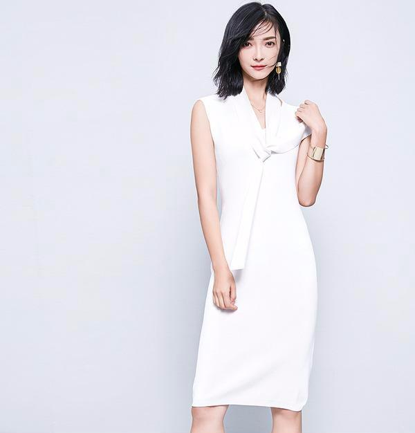 SLEEVELESS KNITTED DRESS WITH A SCARF - impaviid
