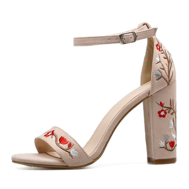 EMBROIDERED SANDALS 2 COLORS CRUELTY-FREE - impaviid