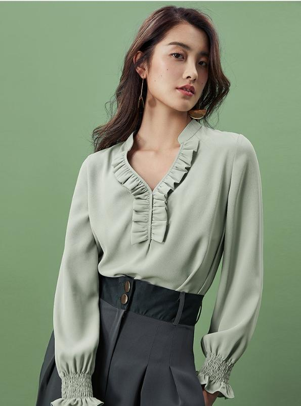 CHIFFON LONG SLEEVE BLOUSE WITH RUFFLED COLLAR - IMPAVIID