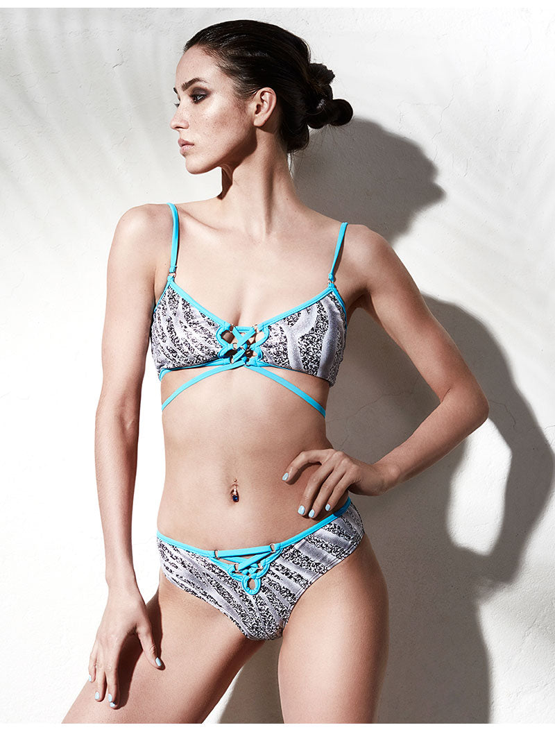 LEOPARD PATTERN SWIMSUIT WITH CONTRASTING ACCENTS - impaviid