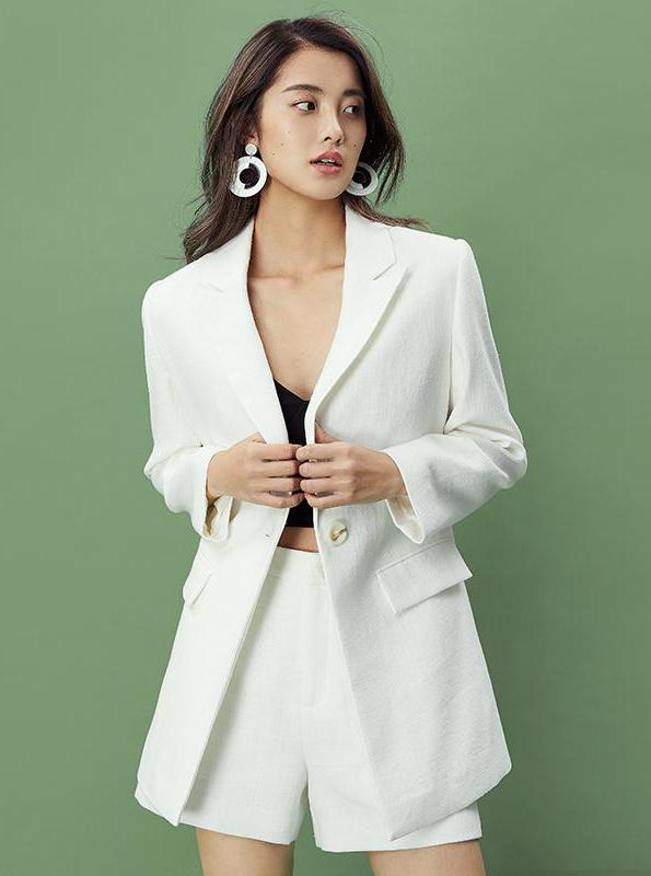WHITE LINEN BLAZER / SUIT WITH SHORTS - impaviid