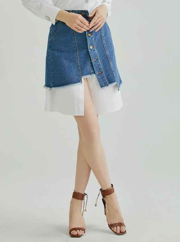 DISTRESSED BUTTONED UP MINI DENIM SKIRT - impaviid