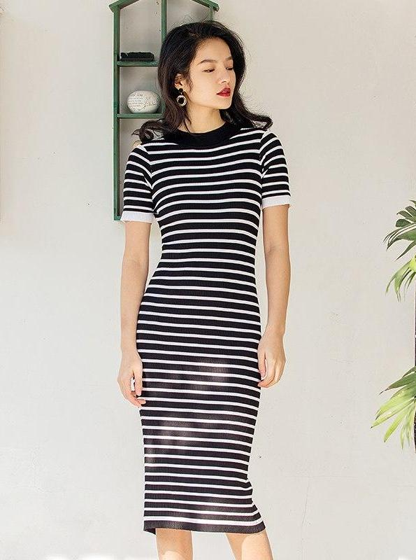 RETRO STRIPED MIDI KNITTED SWEATER DRESS