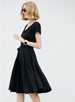 MINIMALISM BLACK RETRO STYLED DRESS - impaviid