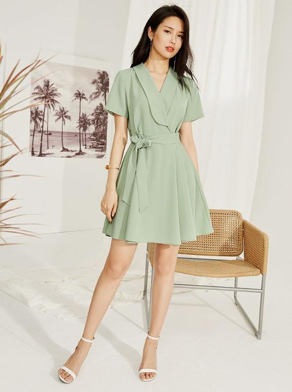 ELEGANT GREEN WRAP MINI DRESS - impaviid