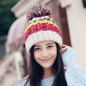KNITTED MULTICOLOR POMPOM WINTER BEANIE