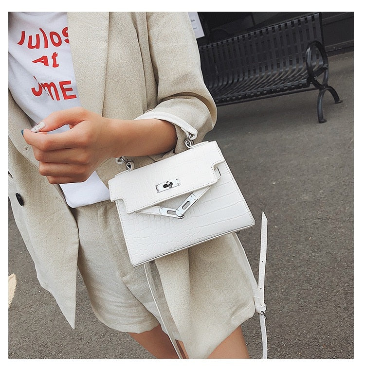 ANIMAL PATTERN WHITE SHOULDER BAG - IMPAVIID