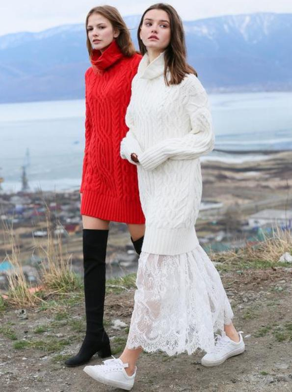PLEATED KNITT SWEATER DRESS
