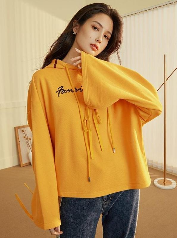 CROPPED FLARE SLEEVE YELLOW HOODIE