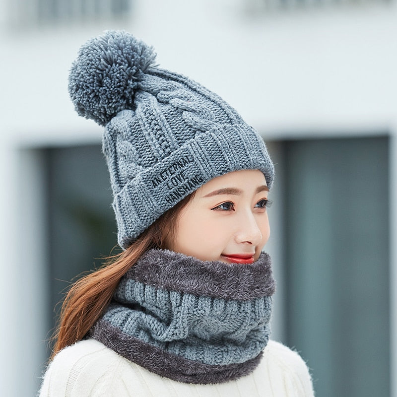 FAUX FUR KNITTED HAT & SCARF SET