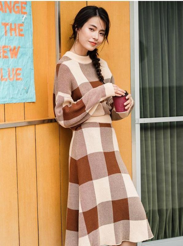 RETRO PLAID neulottu SWEATER DRESS