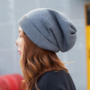 KNITTED THICK BEANIE