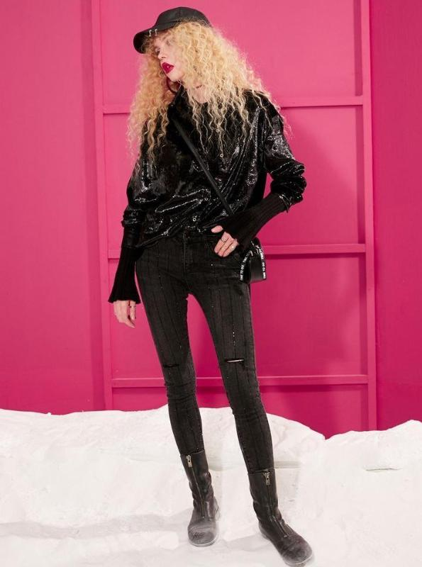 NEGRO BEDAZZLED SKINNY JEANS - IMPAVIID