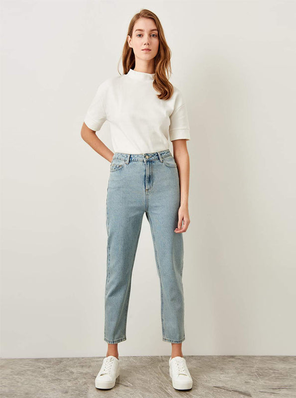 80 INSPIRED MOM JEANS
