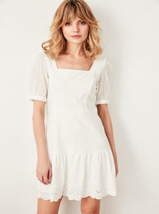 HVID EMBROIDERET PUFF SLEEVE DRESS