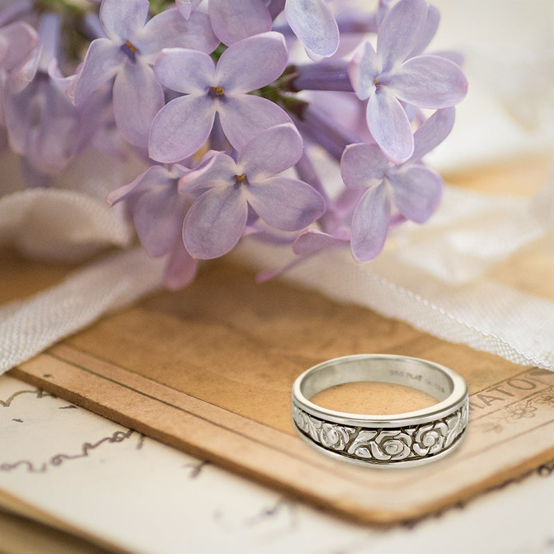 Beautiful embossed flower wedding band!