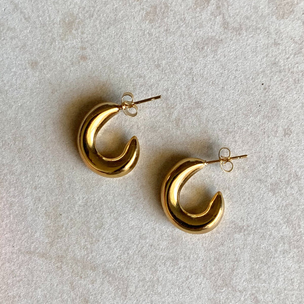 Modern Twist Gold Earring