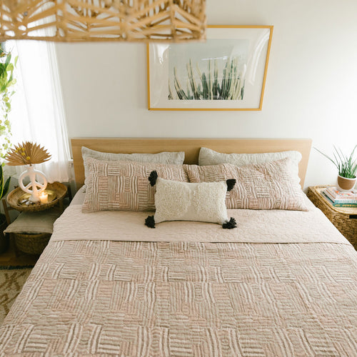 Abrazo Quilt Set by Jungalow®