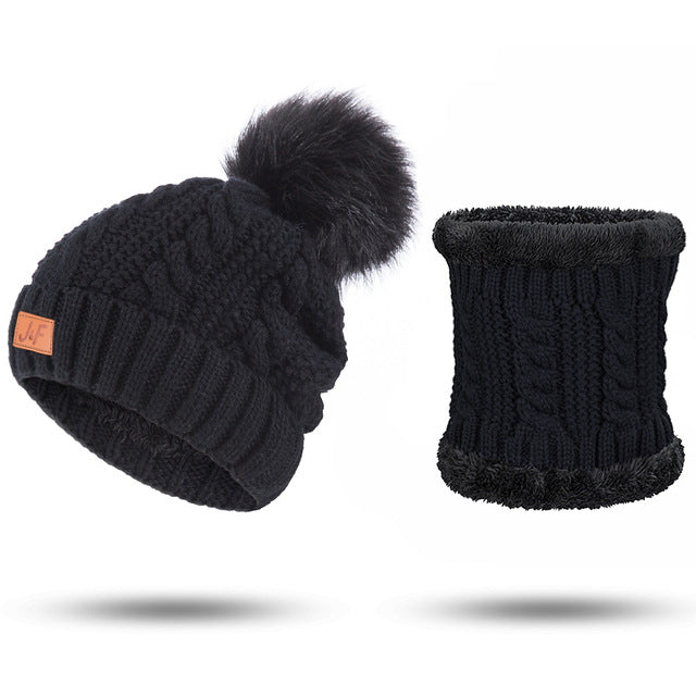 2-Piece Set: Women's Knitted Hat & Scarf Set