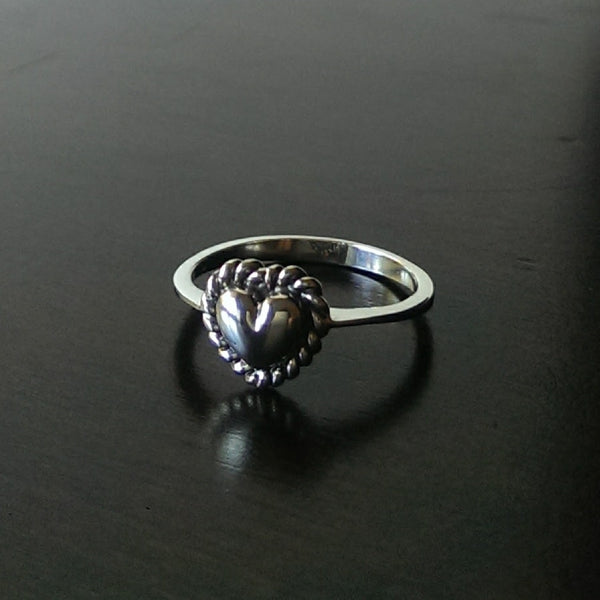 sterling silver boho style dainty heart ring outlined with a twisted rope - free shipping