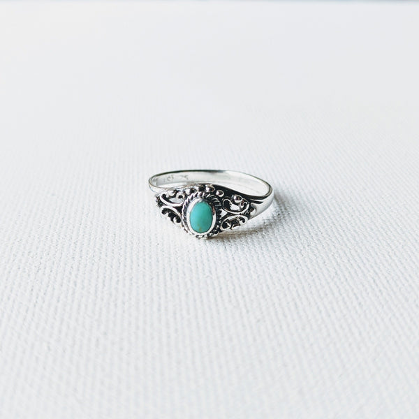 Moon & Milk -925 sterling silver ring with a small turquoise stone and filigree vine design
